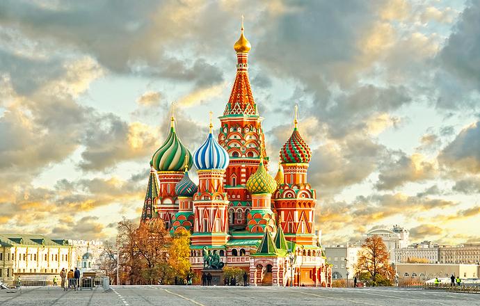 Rusyanın-Rengini-Oluşturan-Bir-Masal-Evi-Aziz-Vasil-Katedrali