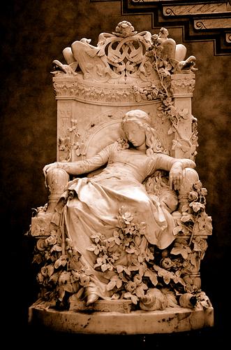 Sleeping Beauty (Dornröschen) - Louis Sussmann-Hellborn - 1880 (1)