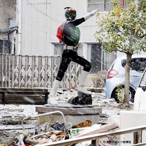 ishinomaki_kamen_rider_after_tsunami